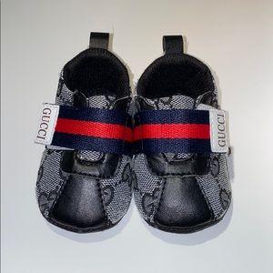 Baby walker Gucci sneakers